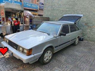 Cần bán lại xe Toyota Camry năm sản xuất 1983, màu bạc, nhập khẩu