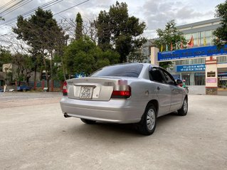 Cần bán gấp Daewoo Nubira sản xuất năm 2004, màu bạc