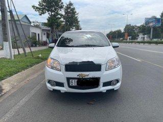 Cần bán lại xe Chevrolet Aveo đời 2018, màu trắng