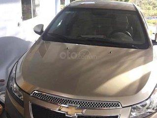 Cần bán lại xe Chevrolet Cruze sản xuất 2010, màu vàng còn mới, 285 triệu