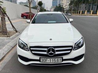 Bán Mercedes E250 2017 trắng đen