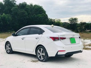 Cần bán lại xe Hyundai Accent đời 2019, màu trắng