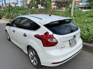 Bán Ford Focus đời 2013, màu trắng, giá 405tr