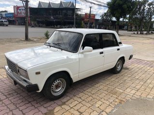 Bán Lada 2105 đời 1987, màu trắng chính chủ