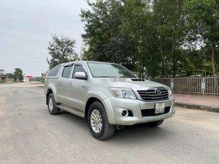 Cần bán Toyota Hilux sản xuất năm 2013, nhập khẩu nguyên chiếc còn mới, giá tốt