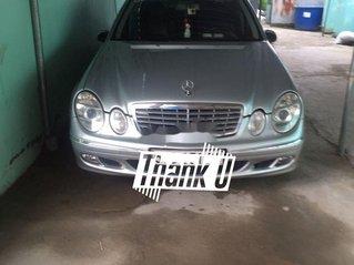 Cần bán Mercedes E class năm 2004, nhập khẩu nguyên chiếc còn mới, giá tốt