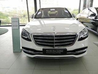Mercedes S450 Luxury trắng ngọc trinh, nội thất nâu. Xe 2020 chạy 5km. Giá cực êm