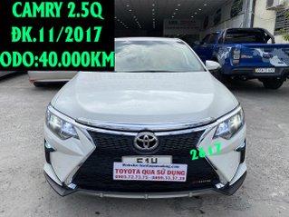 Toyota Camry 2.5Q ĐK 11/2017, body kit cảng trước, độ led pha cod