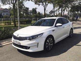 Cần bán gấp Kia Optima 2.0 AT năm sản xuất 2019, màu trắng