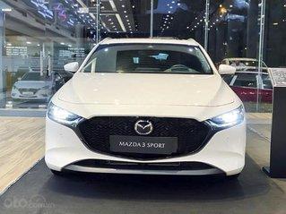 Cần bán xe Mazda 3 sản xuất năm 2020, màu trắng, giá 799tr