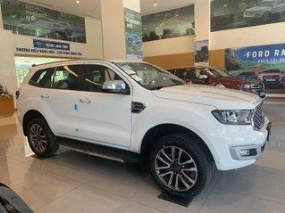 Ford Everest 2021 mới nhập khẩu giảm giá sốc lên đến 120 triệu, không cần chứng minh thu nhập