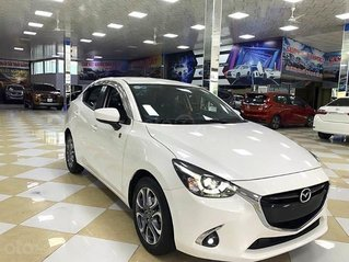 Bán Mazda 2 sản xuất năm 2018, màu trắng