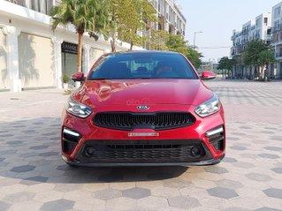Bán nhanh Kia Cerato 2.0 sản xuất năm 2018 màu đỏ, xe cực đẹp, zin nguyên bản, biển TP, mới chạy hơn 28.000km