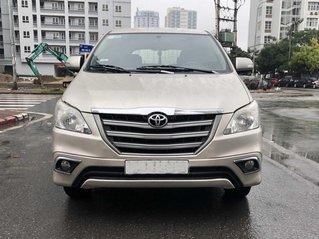 Bác sỹ Tuyền cần bán Innova E 2015 ghi vàng, Hà Nội