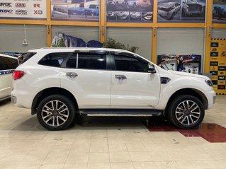 Cần bán xe Ford Everest đời 2020, màu trắng, nhập khẩu