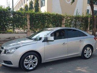 Cần bán xe Chevrolet Cruze năm 2015, màu bạc, xe nhập