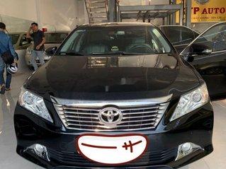 Cần bán xe Toyota Camry sản xuất năm 2014 còn mới