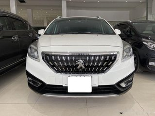 Cần bán Peugeot 3008 năm 2018, màu trắng