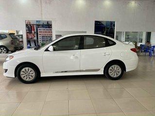 Cần bán gấp Hyundai Avante sản xuất 2011