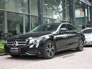 Bán ô tô Mercedes E class năm sản xuất 2020, màu đen còn mới