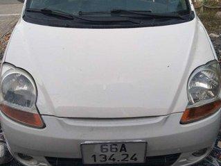 Cần bán Chevrolet Spark đời 2010, màu trắng