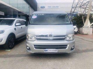 Cần bán Toyota Hiace sản xuất năm 2011, màu bạc