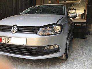 Cần bán lại xe Volkswagen Polo 1.6 AT năm 2017, màu bạc, nhập khẩu, giá tốt