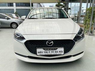 Bán xe Mazda 2 màu trắng, xe nhập khẩu Thái Lan, model 2020, có trả góp