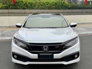 Honda Civic RS 1.5L Turbo sx 2019 siêu lướt 9000km, bản RS cao cấp nhất, trang bị full options, thơm phức mùi mới
