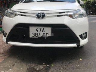 Cần bán gấp Toyota Vios năm 2015, màu trắng, giá tốt