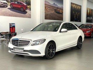 Cần bán Mercedes C200 Exclusive năm 2019, xe giá thấp