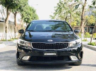 Cần bán gấp Kia Cerato đời 2017, màu đen, 560tr
