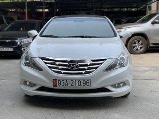 Cần bán gấp Hyundai Sonata năm 2010, màu trắng