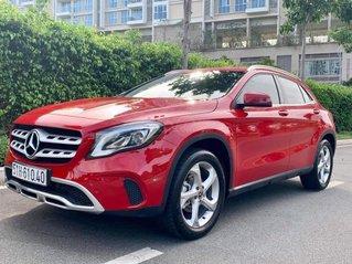 Bán nhanh chiếc Mercedes-Benz GLA200 Sản Xuất 2019