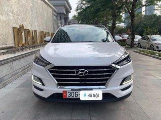 Cần bán gấp Hyundai Tucson 2.0 ATH đời 2020, màu trắng