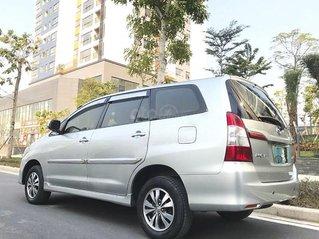 Bán xe Toyota Innova 2.0E đời 2016, màu bạc