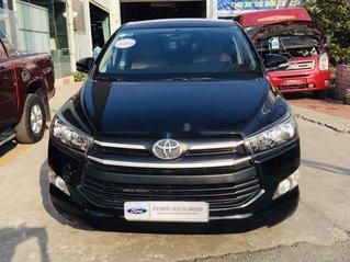 Cần bán Toyota Innova sản xuất 2017, màu đen