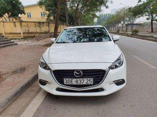 Cần bán gấp Mazda 3 đời 2017, màu trắng chính chủ, 590 triệu