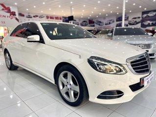 Cần bán Mercedes E200 năm 2015, màu trắng