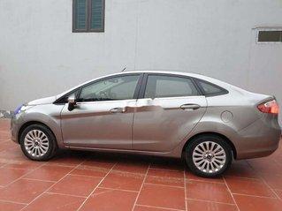 Cần bán xe Ford Fiesta sản xuất năm 2012, màu bạc, giá tốt