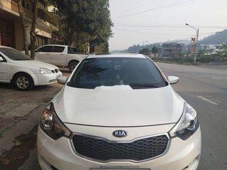 Cần bán lại xe Kia K3 đời 2015, màu trắng, nhập khẩu