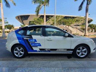 Cần bán gấp Ford Focus đời 2011, màu trắng, nhập khẩu