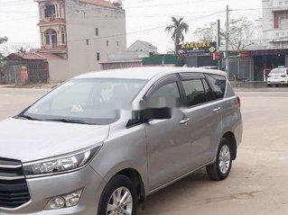 Cần bán xe Toyota Innova sản xuất năm 2017 còn mới