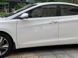 Cần bán lại xe Hyundai Elantra đời 2015, giá chỉ 533 triệu