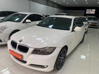 Cần bán BMW 3 Series 320i sản xuất 2010, màu trắng