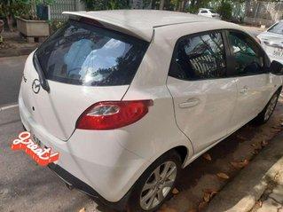 Cần bán gấp Mazda 2 sản xuất 2014, màu trắng chính chủ, 345tr