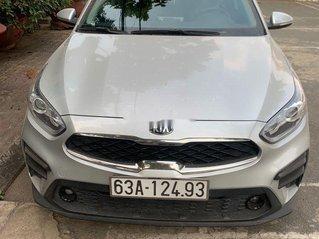 Bán xe Kia Cerato năm sản xuất 2019, màu bạc