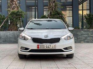 Cần bán lại xe Kia K3 sản xuất 2015, màu trắng chính chủ, giá tốt