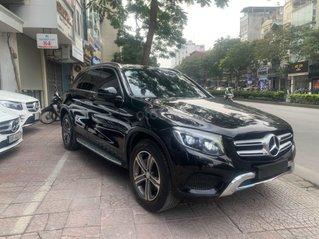 Mercedes GLC 250 sản xuất cuối 2016, biển TP HCM