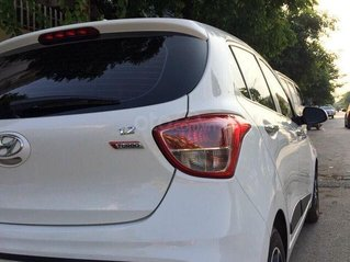 Cần bán lại xe Hyundai Grand i10 1.2 AT 2017, màu trắng chính chủ